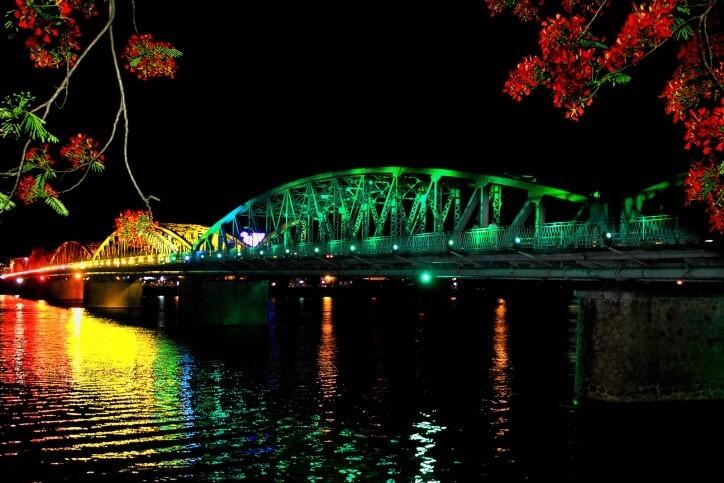 Kết quả hình ảnh cho sông hương về đêm