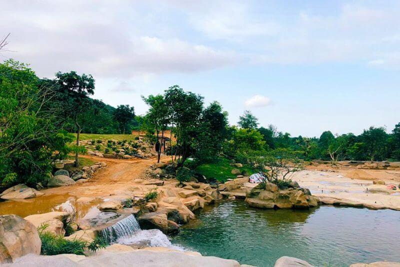bach-ma-village