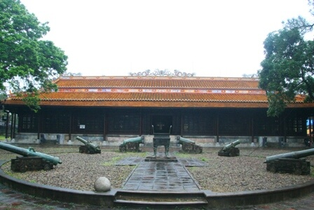 bao-tang-co-vat-hue