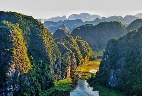 Ninh-Binh-Dia-Diem-Du-Lich-Hot
